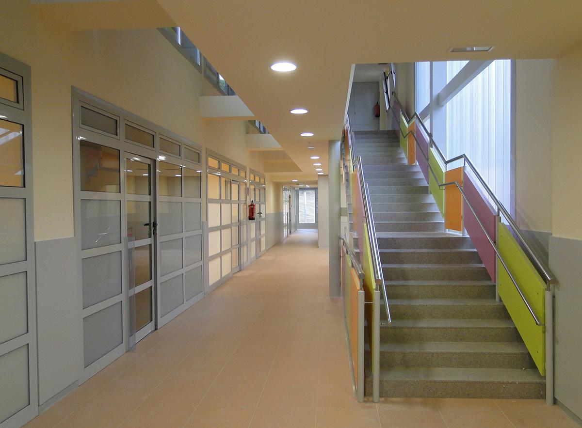 Fotografia escales interiors. Projecte d'obra nova: 2009 Escola Bressol