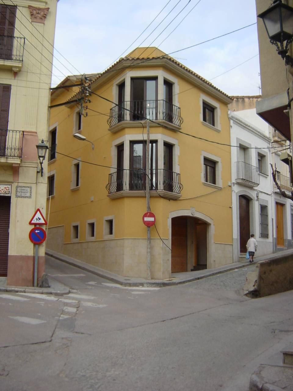 Fotografía fachada. Proyecto de obra nueva: 1998 Vivienda unifamiliar en esquina
